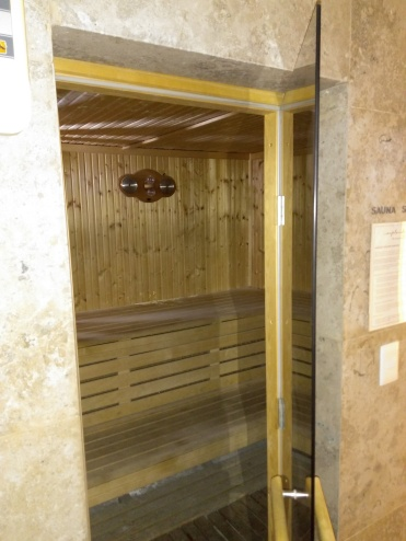 sauna seca com porta de vidro